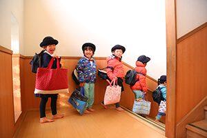降園準備の園児たち