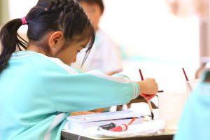 神戸幼稚園 絵の具絵画写真