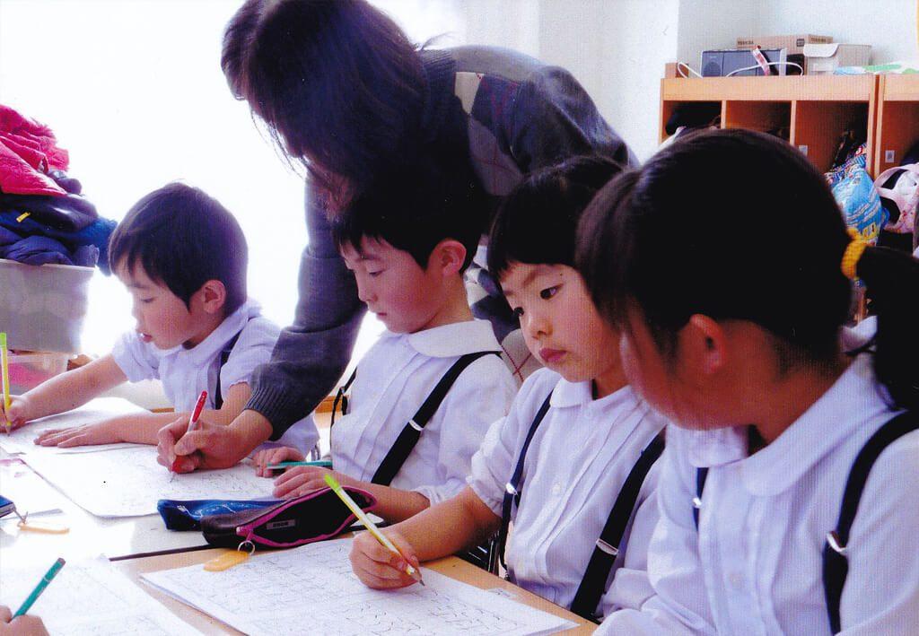 神戸幼稚園課内保育硬筆の写真